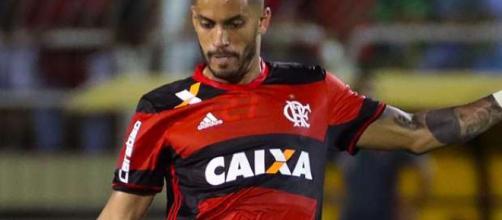 Grêmio confirma a chegada por empréstimo do volante Rômulo. (Reprodução)