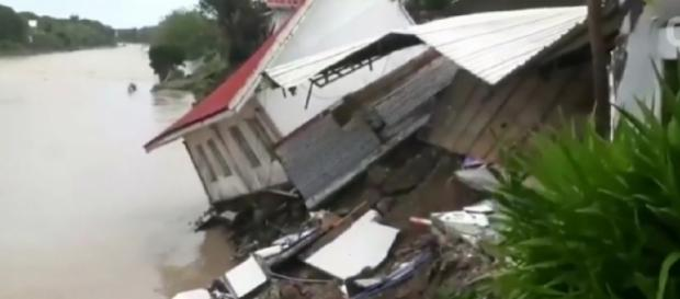 At least 68 killed in Philippines by storm Usman. [Image source/Wochit News YouTube video]