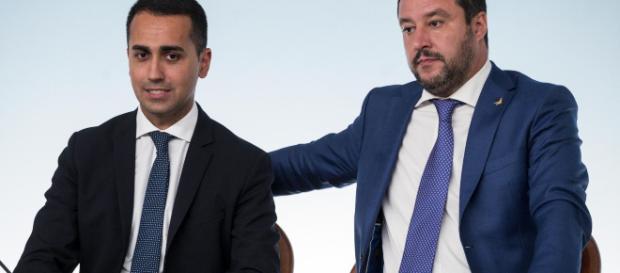 Quota 100 e reddito di cittadinanza, le promesse di Lega e M5s.