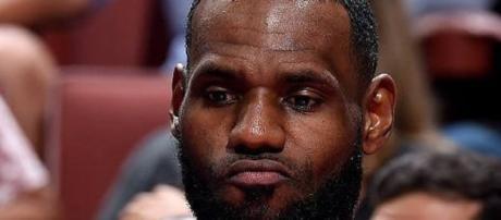LeBron James injury return update [Image by mundo-de-basket / Instagram]