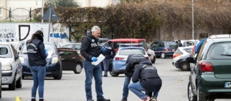 Morto il pregiudicato ferito in un agguato davanti a un asilo a Roma