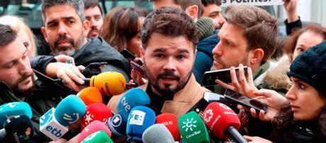 Rufián dice que Podemos ofreció la dimisión de Borrell si ERC apoyaba los Presupuestos