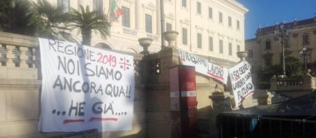 Sassari, prosegue la protesta dei 50 ex lavoratori Aou e Ats - Fonte: Facebook