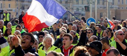 """Gilets jaunes"""" : des revendications mal comprises par les médias - latribune.fr"""