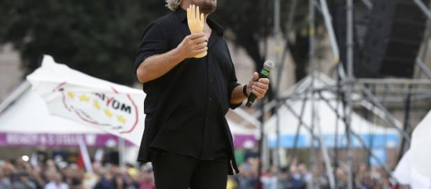 Svolta pro-vax del M5S: Grillo firma insieme a Renzi il manifesto di Burioni