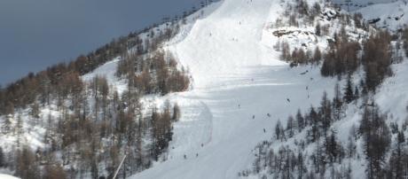 Al Tg1 il papà della bimba morta con uno slittiino su una pista nera: ieri un altro incidente mortale in montagna.