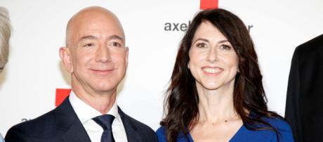 Jeff Bezos annuncia il divorzio dalla moglie MacKenzie Bezos