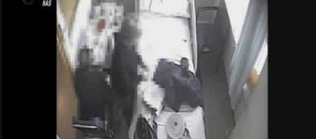 Telecamere installate dai carabinieri in ospedale, hanno permesso di scoprire la moglie che avvelenava il marito.