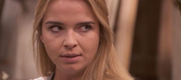 Anticipazioni Il Segreto: Antolina dice una bugia al marito Isaac