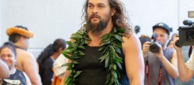 Vídeo de Jason Momoa com a família no Havaí, (Diário Pernambucano)