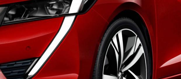 Un dettaglio del possibile frontale della nuova Peugeot 208