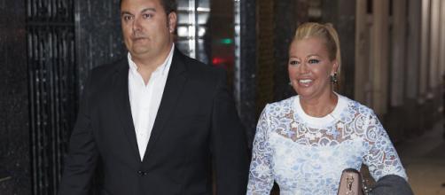 Belén Esteban acompañada por su futuro marido Miguel Marcos