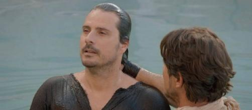 Hidrópico é curado e batizado na novela Jesus (Foto: Record TV)
