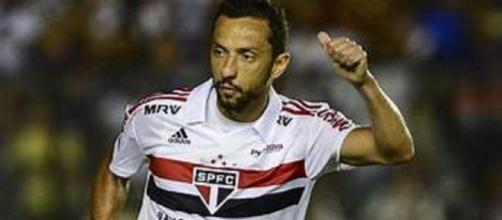 Mesmo com proximidade de Ganso, Nenê permanece no radar do Fluminense (Foto: Globoesporte)