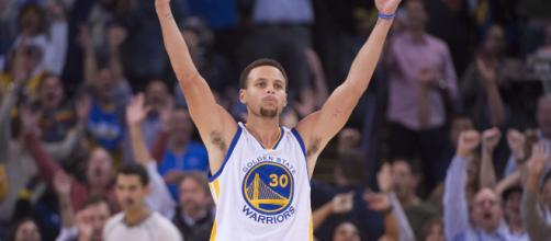 Stephen Curry devient le 3e scoreur all-time à 3-points - lasueur.com