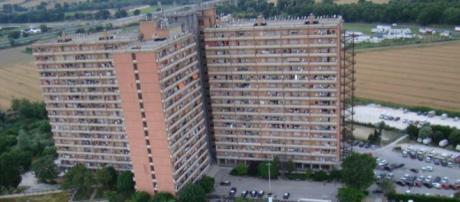 Macerata, tenta di stuprare un bimbo all'Hotel House: denunciato | tgcom24.mediaset.it