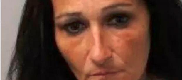 Mamma-orco fa violentare da 3 uomini la figlioletta di 3 anni in cambio di soldi e rottami metallici - Il Mattino