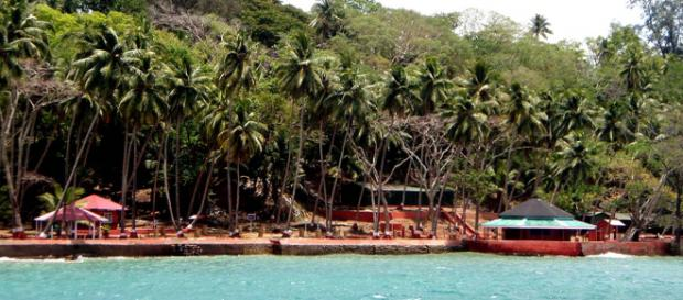 Ross Island, one of many abandoned islands in the world. [Image Biswarup Ganguly/Wikimedia]