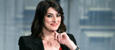 Elisa Isoardi sbotta sui social: 'Ho il dovere di smentire le voci sulla mia vita privata'