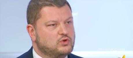Gennaro Migliore critica Matteo Salvini.