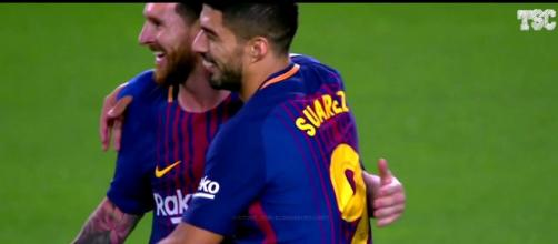 Leo Messi e Suárez (Imagem via Youtube)