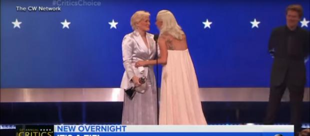 Genn Close and Lady Gaga embrace after both tie as Best Actress at the Critics' Choice Awards. [Image source: GMA-YouTube]