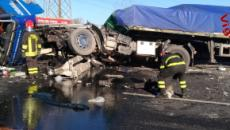 Calabrese muore in un incidente autostradale in Sicilia: altri due morti e quattro feriti