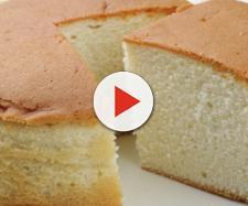 Le fasi di preparazione della torta all'acqua.