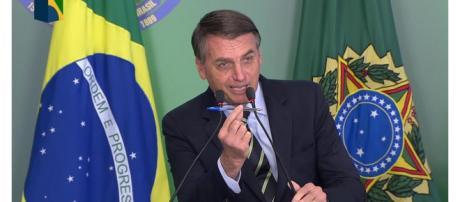 Bolsonaro assinou o decreto para a posse de armas (Reprodução: NBR )