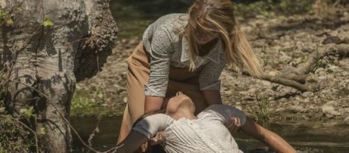 Anticipazioni Il Segreto: Antolina tenta di uccidere Elsa