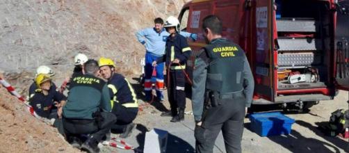 Spagna, bimbo di due anni intrappolato in un pozzo come Alfredino Rampi: spuntano tre nuove possibilità di salvataggio