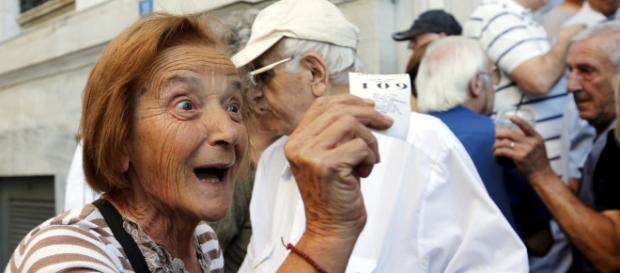 Pensioni:prorogate Opzione Donna e Ape Social. Berlusconi pronto a scendere in piazza con i gilet azzurri per tutelare gli Italiani.
