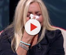Mara Venier si commuove per Galeazzi e lascia lo studio in lacrime: 'Non ce la faccio'