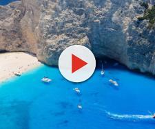 Shipwreck Beach, na Grécia (Fonte da imagem: flightnetwork.com)