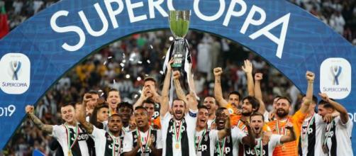 Ronaldo regala la Supercoppa alla Juve