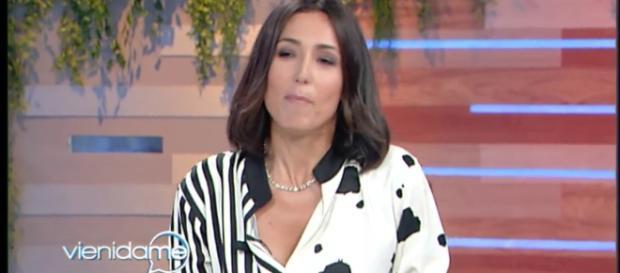 Vieni da me, Caterina Balivo scoppia in lacrime per la tragedia dell'hotel Rigopiano