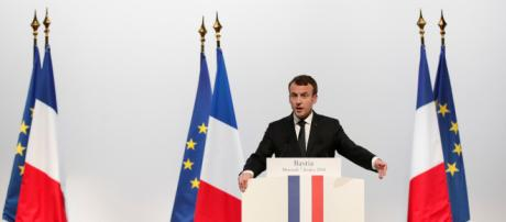 """Emmanuel Macron ne veut pas lâcher son """"service national"""" - lejdd.fr"""