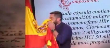 Dani Mateo tuvo que ir a los tribunales por sonarse con la bandera de España ... - blogspot.com