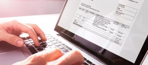 Fattura elettronica e scontrino fiscale: i chiarimenti dell'AdE