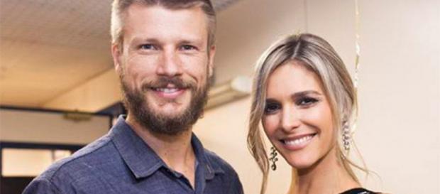 Fernanda e Rodrigo estão morando no exterior. (foto: reprodução/TV Globo)