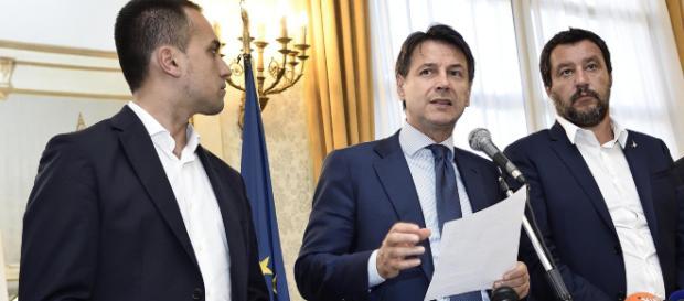 Pensioni Quota 100 e reddito di cittadinanza, decreto in arrivo: Cdm riunito, al lavoro Conte, Salvini e Di Maio
