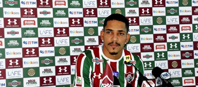 Gilberto está fora da estreia do Fluminense no Campeonato Carioca