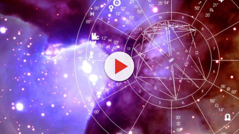 Oroscopo week end 19 e 20 gennaio: sorprese in amore per Vergine e Sagittario
