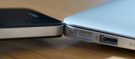 Apple iPhone 11. - [Paul Hudson / Wikimedia Commons]