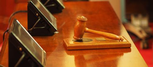 Judge acquits three Chicago police in Laquan McDonald case. [Image source: Pixabay - Daniel_B_photos]