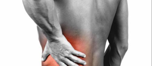 Irlanda, si inietta sperma nel braccio per guarire dal mal di schiena: uomo ricoverato
