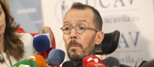 Secretario de Podemos asegura que Errejón debería renunciar a su cargo como diputado