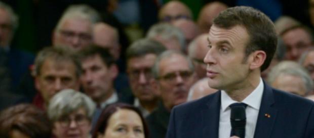 Comment le comportement d'Emmanuel Macron a sabordé le Grand débat - valeursactuelles.com