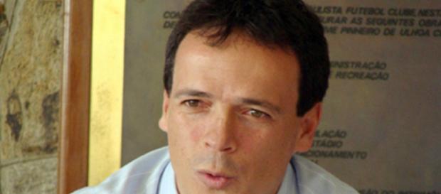 Fernando Diniz terá muitos desfalques na estreia do Flu no Carioca (Foto: Globo)