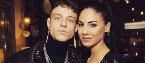 Irama e Giulia De Lellis presi di mira sul web: 'Lui ha lo smalto e si trucca più di lei'.